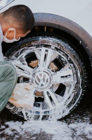 Shampoo Neutro: Utilize ele na pintura do seu carro!